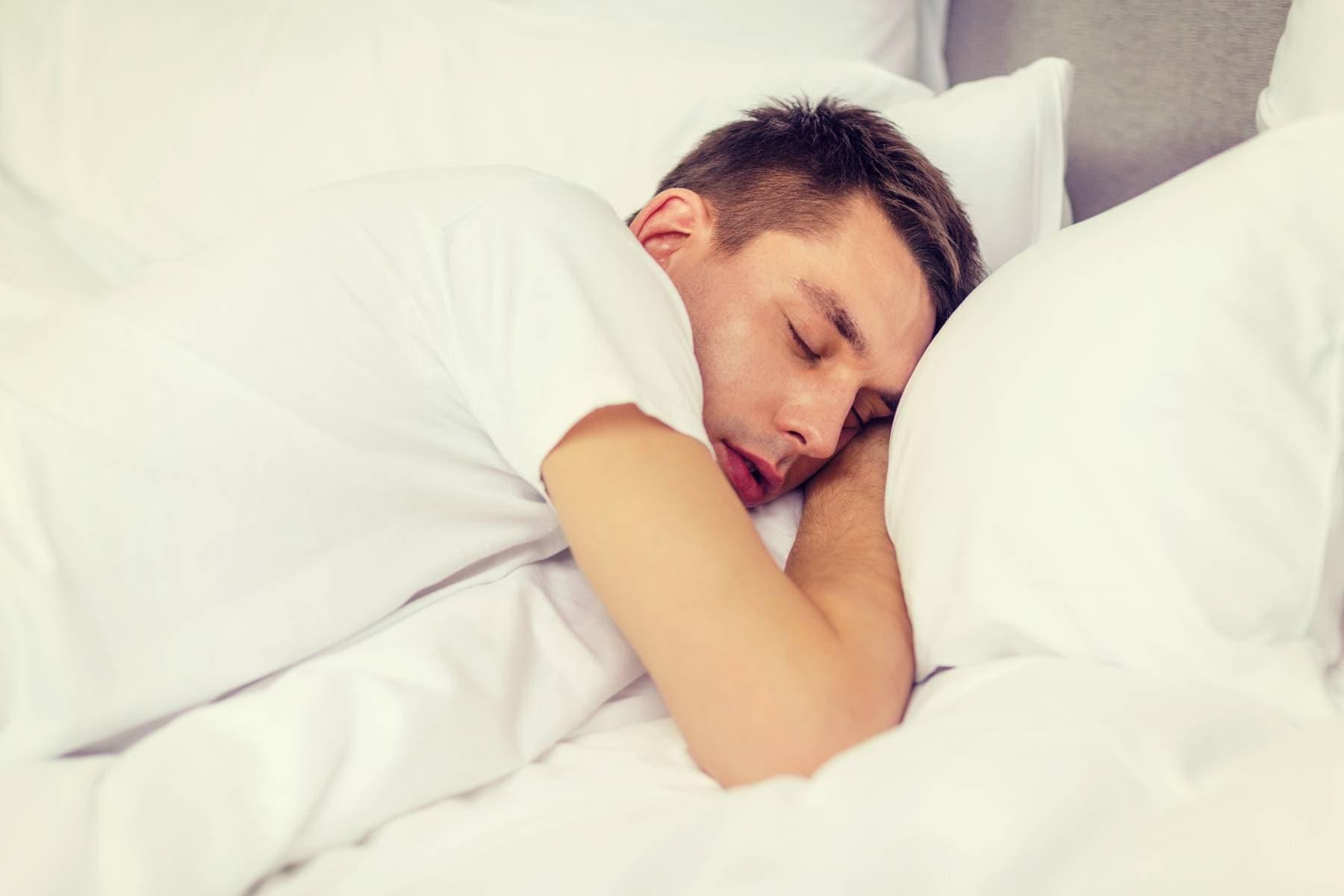 svettas i sömnen feber