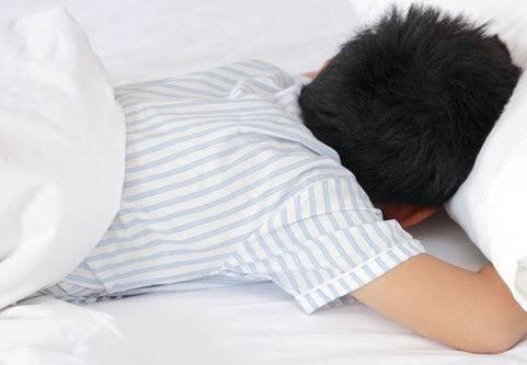 Mamma: Min son drabbades av sängvätning