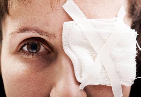 Vanliga symtom på yttre ögoninflammation