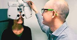 Optiker besvarar frågor om ögon och ögonsjukdomar